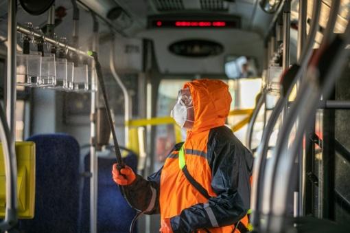 Vilnius atsakingai veža keleivius viešuoju transportu: keičiami tvarkaraščiai