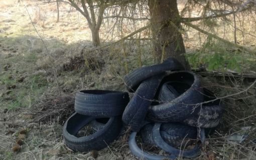 Naujam sezonui artėjant: kur dėti senas automobilių padangas