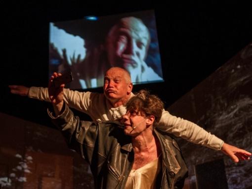 """Režisierius Artūras Areima kviečia atsisveikinti su spektakliu """"Kasykla""""  online"""