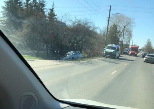 Neblaivi moteris Kaune apsivertė su automobiliu