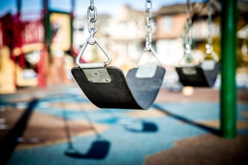D. Razmuvienė: reikėtų uždaryti vaikų žaidimų aikšteles, nes jos kasdien būna pilnos