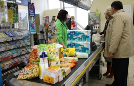 Dėl kainų reguliavimo gali trūkti būtiniausių prekių