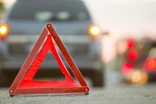 Kelyje Vilkaviškis–Bartninkai–Aistiškiai nuo kelio nuvažiavo automobilis
