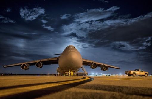Vilniuje nusileido ukrainiečių specialusis lėktuvas su 28 lietuviais iš Indijos