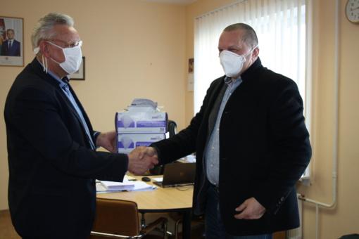 Visagino savivaldybės administracija gavo respiratorių labdarą