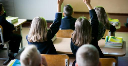 Karantino metu turintys dirbti tėvai vaikus galės palikti budinčiose švietimo įstaigose