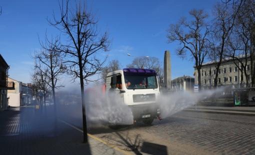 Dezinfekuojamos Ukmergės miesto gatvės