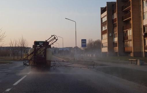 Radviliškyje ir rajone – viešųjų erdvių ir gatvių dezinfekcija
