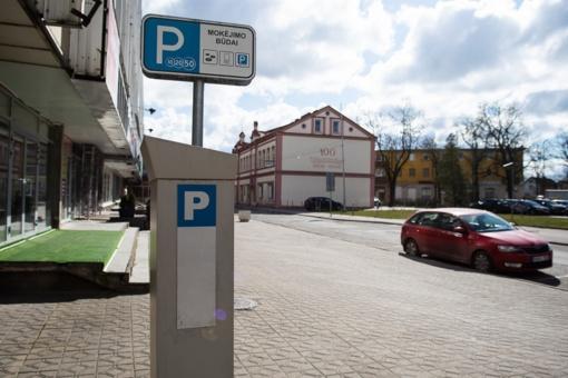 Karantino metu Panevėžyje automobilių parkavimo vietos liko apmokestintos