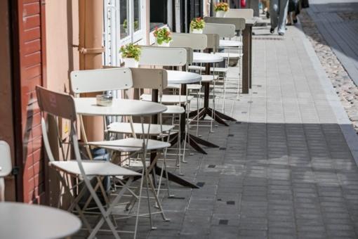 Svarstoma leisti dirbti lauko kavinėms, kepykloms ir kitoms įmonėms