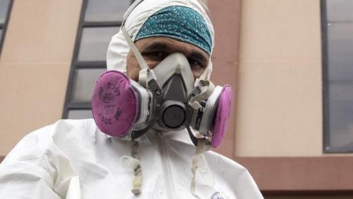 JAV mokslininkai kelia aliarmą: virusas ore išlieka ilgiau, nei manoma