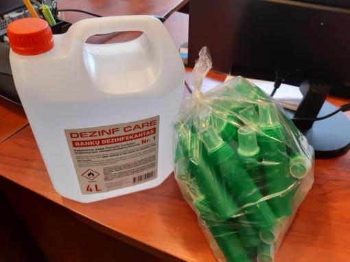 Ignalinoje dalijami dezinfekantai ir kitos apsaugos priemonės