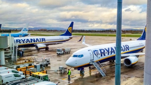 """S. Skvernelis: """"Bus atnaujinta daugiau tarptautinių skrydžių"""""""