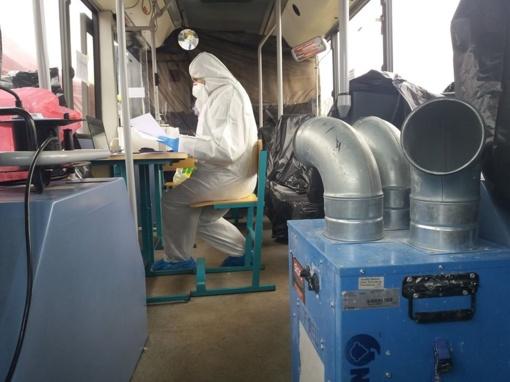 Geradarys ukmergiškis įrengė šildytuvus mobiliajame punkte šąlantiems darbuotojams