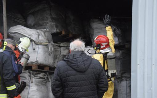 """Tęsiami pavojingų atliekų tvarkymo darbai BUAB """"Ūrus ir Ko"""" veiklos teritorijoje"""