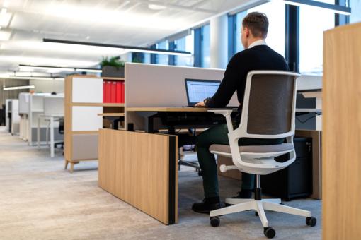 Kaip biuro baldai veikia mūsų produktyvumą?