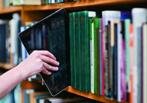 Mokiniams iš socialiai remtinų šeimų – 20 tūkst. interneto kortelių