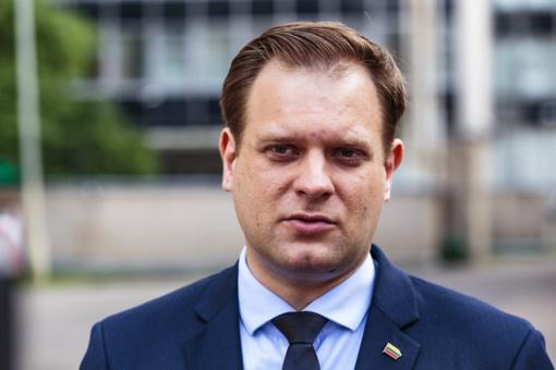 Seimo vicepirmininkas A. Nekrošius siūlo Seimui nepirkti reprezentacinių prekių