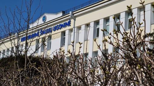 Šiaulių ligoninė nurėžė atlyginimus: medicinos darbuotojai vos suduria galą su galu