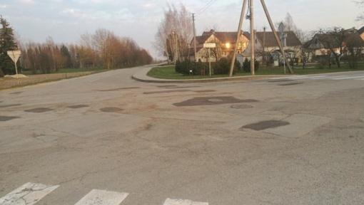 Joniškio rajone jau pradėti kelių remonto darbai