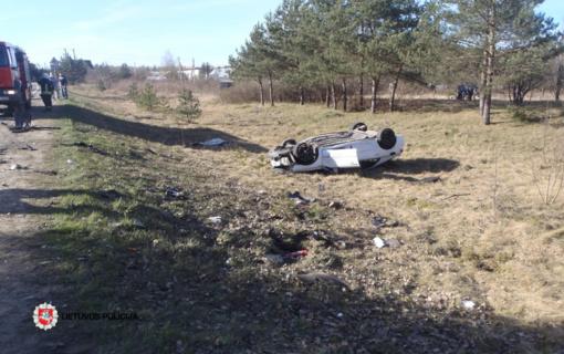 Avarija Vilniaus rajone: automobilis nuskriejo į šalikelę