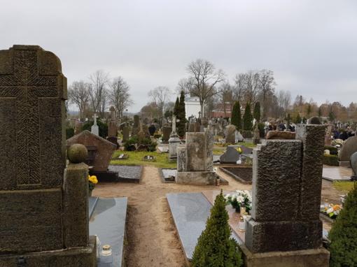 Prekybininkų karai prie Ginkūnų kapinių: vyko ir policija, ir sveikatos specialistai