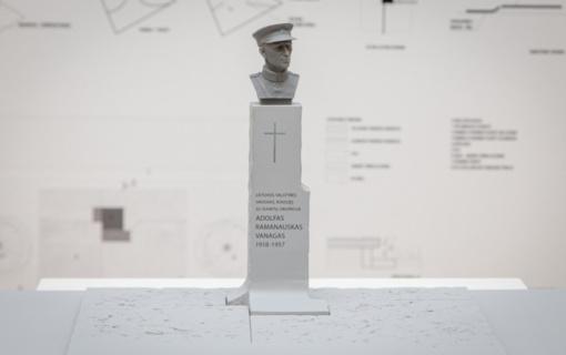 Pasirašyta sutartis su paminklo A. Ramanauskui-Vanagui konkurso nugalėtojais