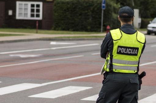 Pagrindiniuose keliuose – policijos postai, kitur – užtvarai