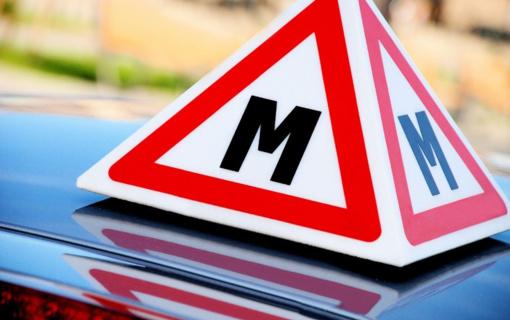 Pradedantieji vairuotojai papildomus mokymus galės baigti po karantino