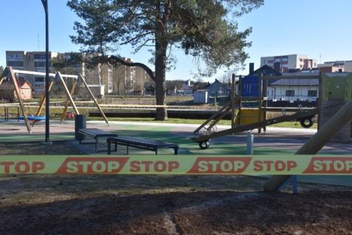 Varėnoje uždrausta lankytis vaikų žaidimų ir sporto aikštelėse