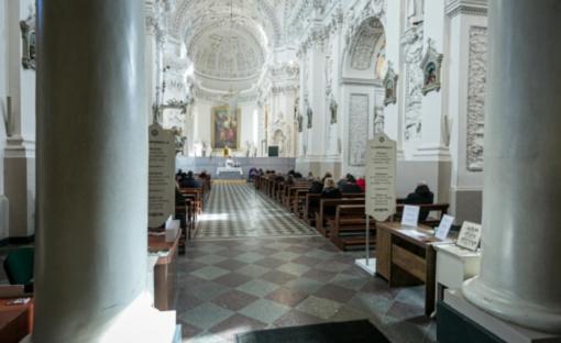 Bažnyčios Velykų mišiose kviečia dalyvauti nuotoliniu būdu