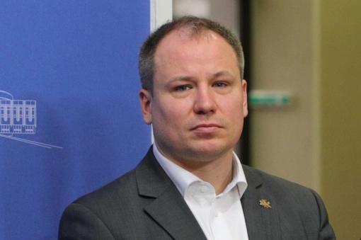 Premjero patarėjas G. Surplys buvo tirtas dėl koronaviruso Vyriausybėje