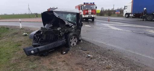 Radviliškio rajone susidūrė lengvasis automobilis ir sunkvežimis