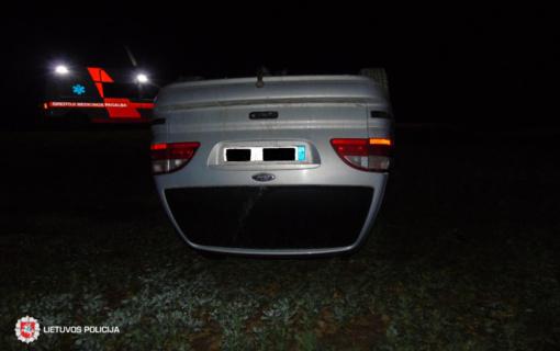 Pasvalio rajone neblaivus vairuotojas nesuvaldė automobilio