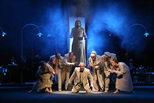 """Valstybinio Šiaulių dramos teatro online reperturas: komedija """"Vardan tos"""" ir spektaklis vaikams """"Mažasis princas"""""""