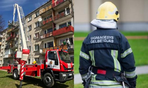 Ukmergėje ugniagesiai gelbėjo balkone uždarytą moterį