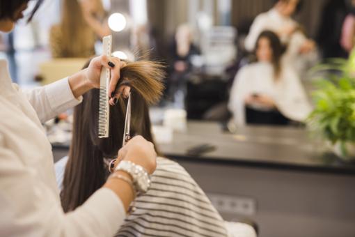 Parengtos rekomendacijos grožio salonams: ne visas paslaugas leidžiama teikti