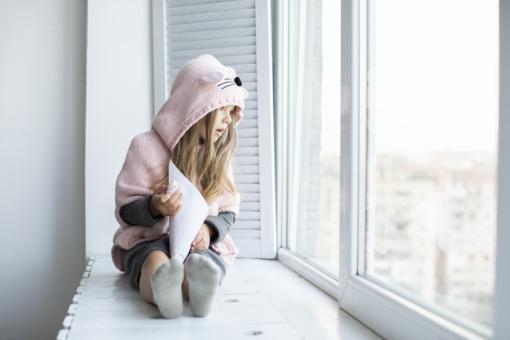 Gydytojas dalijasi dažniausiomis vaikų traumomis: krenta per langus, dauguma susižeidžia namuose