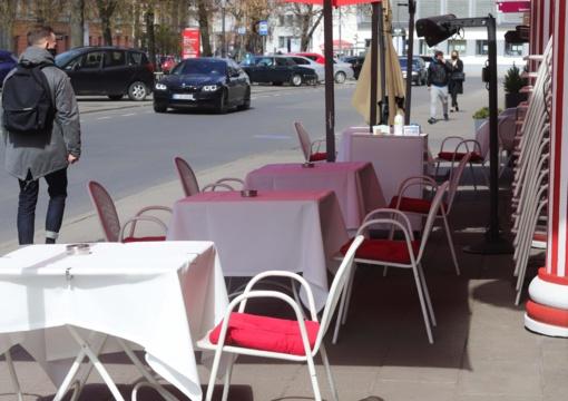 """S. Skvernelis: """"Nebeliks reikalavimo kavinėse riboti žmonių srautą"""""""