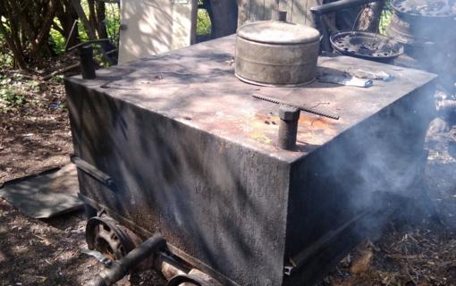 Šalčininkų rajone sulaikyti du naminę degtinę gaminę vyrai (vaizdo įrašas)