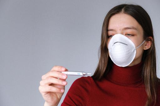 Gydytoja alergologė apie COVID-19 ir alerginių ligų ryšį: užsnūsti nederėtų
