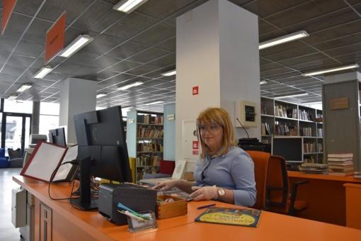 Knygų ištroškę skaitytojai apgulė biblioteką