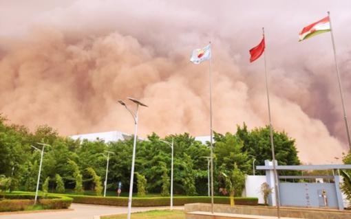 Nigerijos sostinėje praūžė apokalipsę primenanti smėlio audra (vaizdo įrašas)
