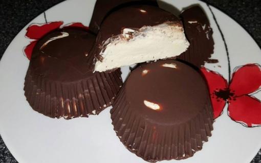 Naminiai varškės sūreliai su šokolado glaistu