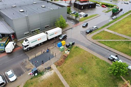 Panevėžiečiai piktinasi ne vietoje įrengiama šiukšlių konteinerių aikštele