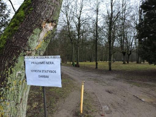 Joniškėlio dvaro parke darbai įsibėgėjo: tikimasi jau kitais metais atidaryti parką