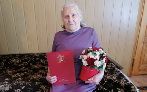 Daugiavaikei mamai iš Miroslavo seniūnijos – prezidento ordinas ir mero padėka