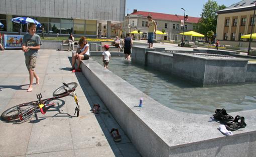 Pradeda veikti Marijampolės fontanai