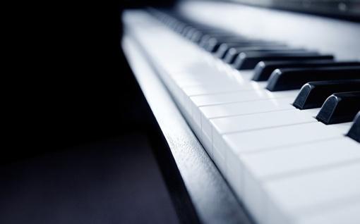 Jaunosios Jonavos pianistės - unikalaus nuotolinio konkurso laimėtojos