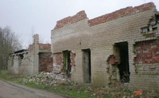 Zarasų rajone likviduojami bešeimininkiai apleisti pastatai
